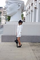 dark green floppy hat - ivory boyfriend shirt dress - dark green tote H&M bag