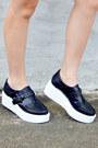 Black-square-apt9-purse-black-forever-21-shorts-black-sam-edelman-sneakers