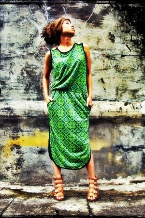 green dress - ribbed MoshiMoshi scarf - gladiator heels garage store heels