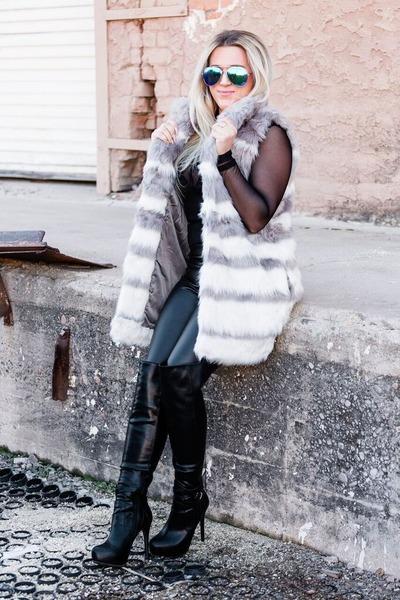 heather gray faux fur Forever 21 vest - black Aldo boots
