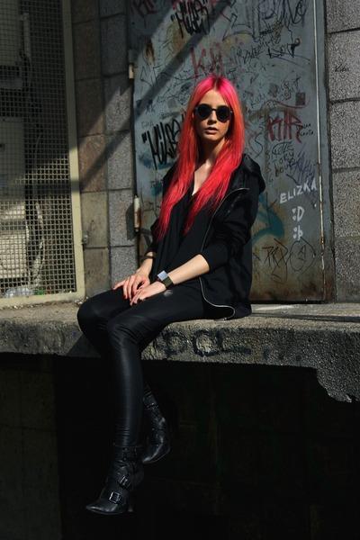 black Deichmann boots - black unknown leggings - black chiffon H&M shirt