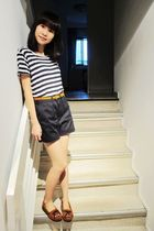 Topshop top - American Apparel shorts - Topshop belt - Minnetonka shoes