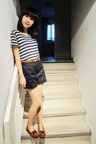 Topshop top - American Apparel shorts - Topshop belt - Minnetonka shoes
