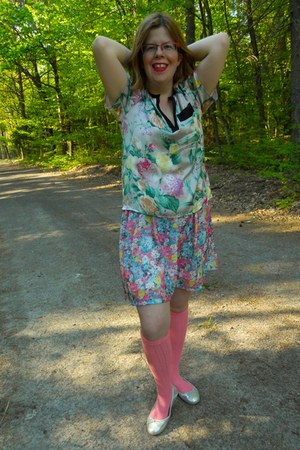 floral H&M blouse - floral print Bershka dress