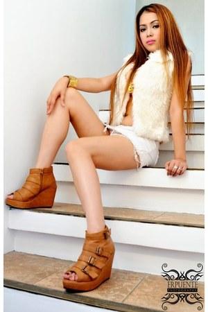 Larok fur vest from nordstrom vest - Greenhills skirt - HK wedge booties wedges