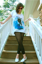 white American Apparel t-shirt - white shoes - black sheer footless tights