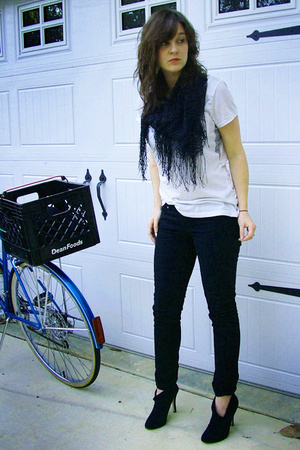 pants - H&M t-shirt - scarf - forever 21 shoes