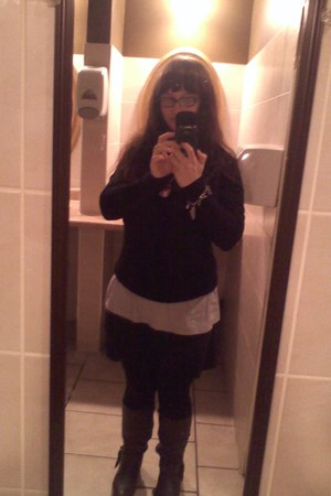 black Old Navy sweater - dark brown G H Bass boots - black Generic leggings