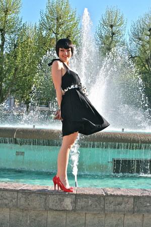 black Pimkie dress