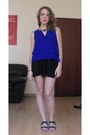 Blue-mango-top-navy-mango-necklace-black-bershka-skirt