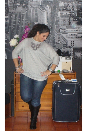 Zara shirt - Zara jeans - Replay boots - Parfois Necklace