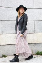 rich and royal jacket - Zara boots - AMBRE BABZOE dress - Bimba y Lola hat
