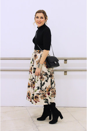 black Zara boots - black Chanel bag - black Zara top - beige Zara skirt