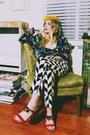 Solestruck-vintage-heels