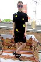 smiley  face some velvet vintage dress