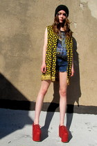yellow happy face some velvet vintage vest - red club kid substitute shoes
