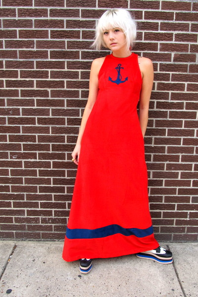 anchor some velvet vintage dress