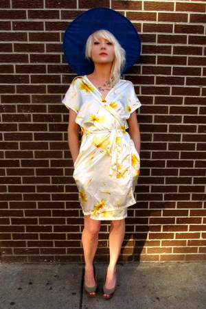 light yellow sunflower some velvet vintage dress