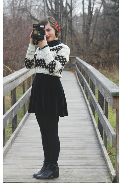 brown Oasapcom sweater - black thrifted skirt