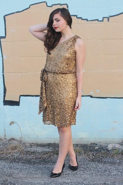 mustard Faviana dress - black thrifted heels