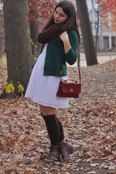 crimson thrifted purse - dark brown pink and pepper boots - white Delias dress
