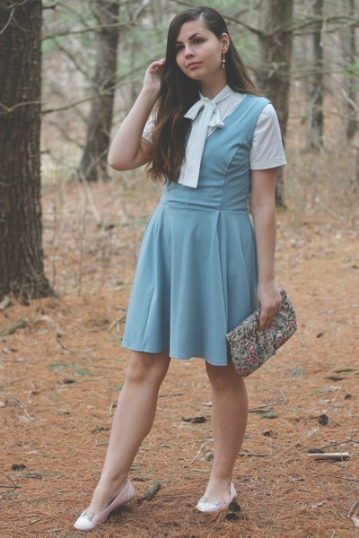 sky blue H&M dress - teal thrifted purse - off white vintage blouse