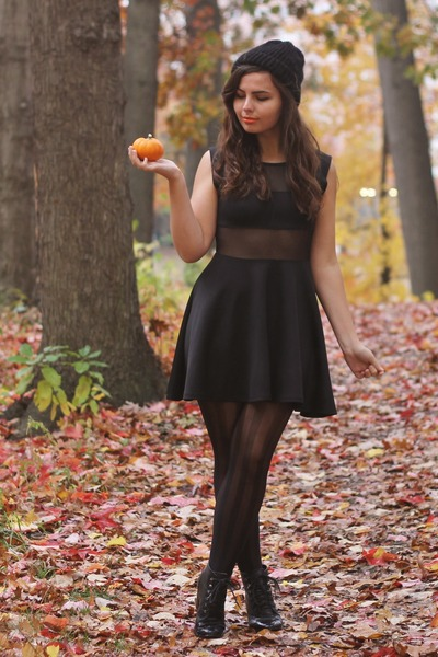black deb dress - black LuLus tights