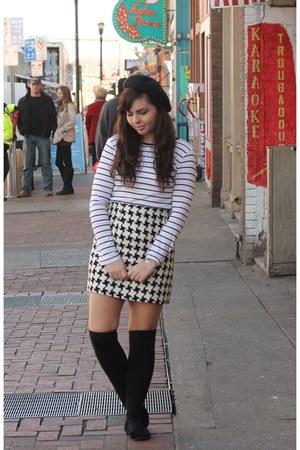 black thrifted skirt - off white Forever21 shirt