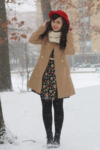 red thrifted hat - tan Forever21 coat - ivory Target scarf