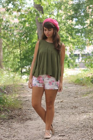army green LuLus shirt - light pink Forever21 shorts