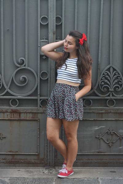 white Aeropostale shirt - red keds shoes - black Aeropostale skirt