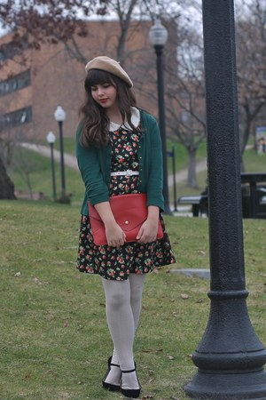 1816c5a882c5d ruby red OASAP bag - tan American Apparel hat - forest green thrifted  cardigan