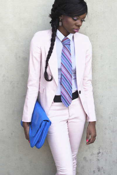 light pink Zara blazer - white H&M shirt - blue clutch Zara bag - light pink Zar