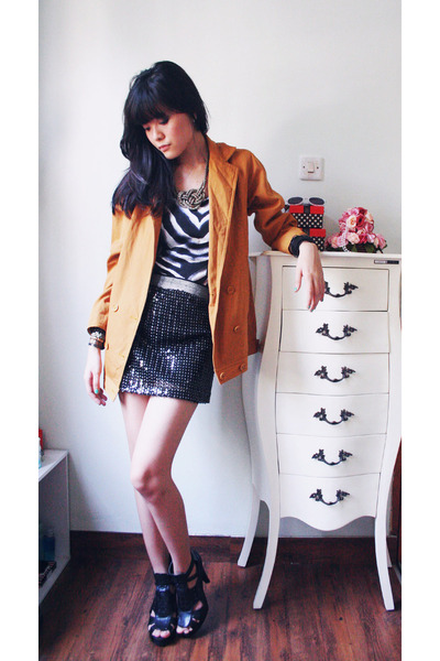 gold blazer - gray Riotous top - black Riotous skirt