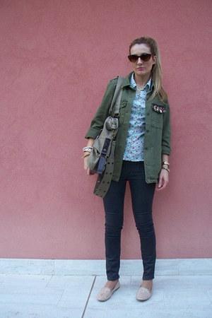 Zara jacket - Zara jeans - H&M shirt - Bershka bag - H&M sunglasses - Zara flats