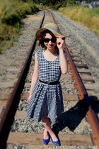 gingham Vintage Rothschild dress - gingham straw vintage hat - wayfarer Ray Ban