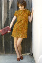 vintage dress - vintage shoes - vintage purse