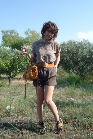 brown thrifted top - Cargo shorts - brown vintage belt - black shoes - Old Balen