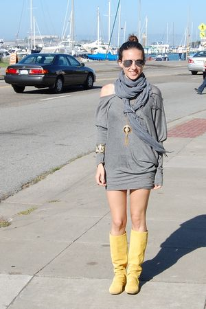 yellow boots - silver top