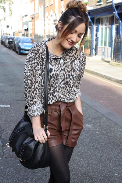 camel leopard Love shirt - dark brown pleather Primark shorts