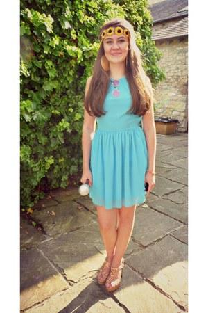 Topshop dress - sunglasses - heels