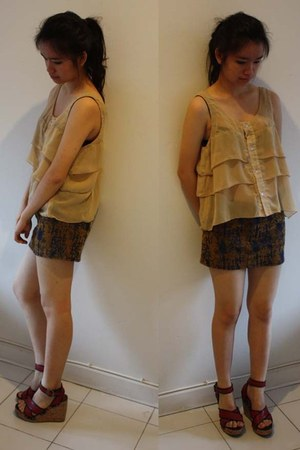 nude indiras closet top - dark gray Body and Soul skirt