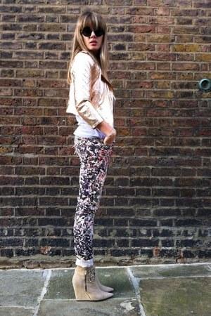 floral pants - suede boots