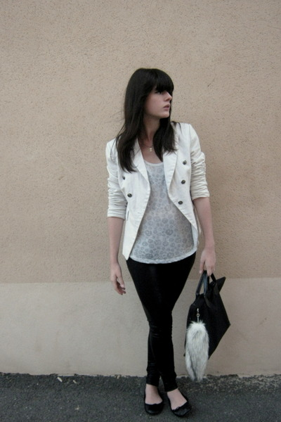 white camaieu blazer - periwinkle It Hippie t-shirt - ivory H&M accessories