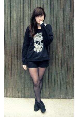 black Newlook sweater - black H&M shorts