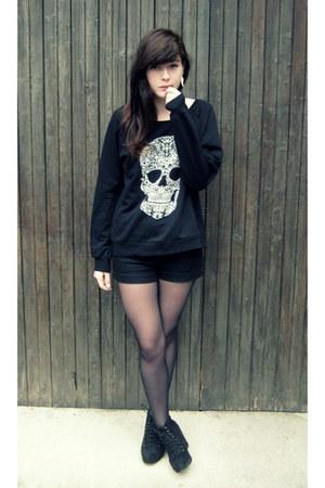 black Newlook sweater - black H&M shorts