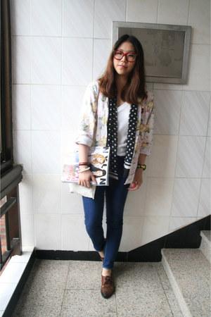 vintage shoes - Forever21 jeans - vintage shirt - vintage scarf