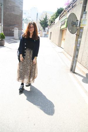 Forever21 skirt - vintage cardigan - New Balance sneakers