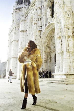 vintage coat - Roksandra Ilincic belt