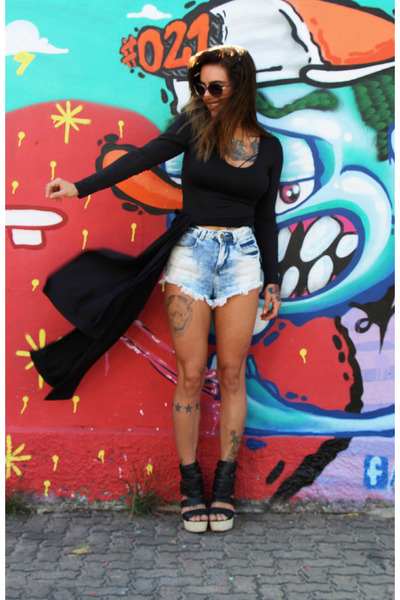 black Lucluc shirt - light blue c&a shorts - black zeroUV sunglasses